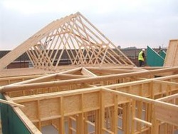 Pre manufactured roof trusses y Pre made roof trusses
